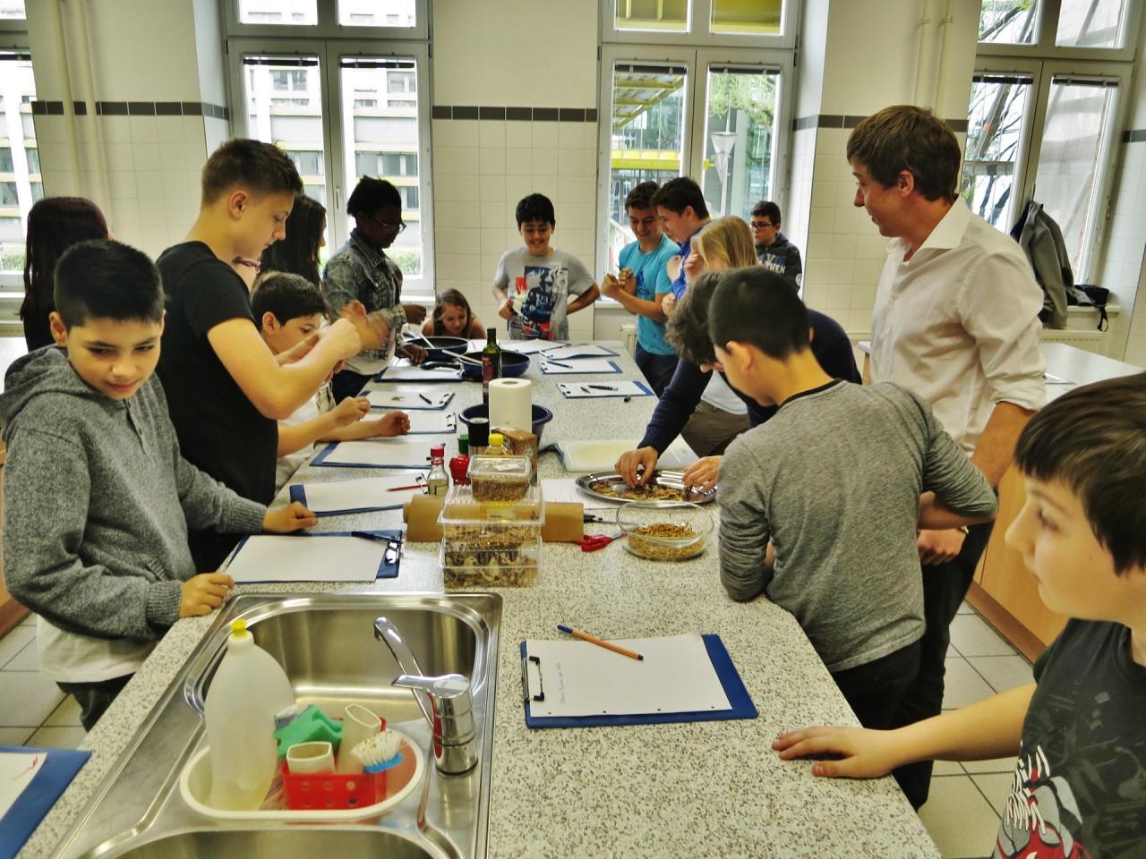 Bei unserem ersten Schul-Workshop konnten wir erfahren, dass Kinder überhaupt keine Probleme mit diesem neuartigen Lebensmittel haben.