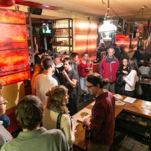 1. Verkostung im Isaacs Pub